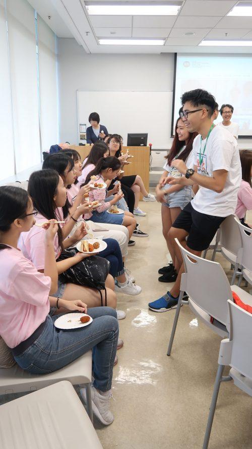 本系現屆學生與新生暢談校園生活